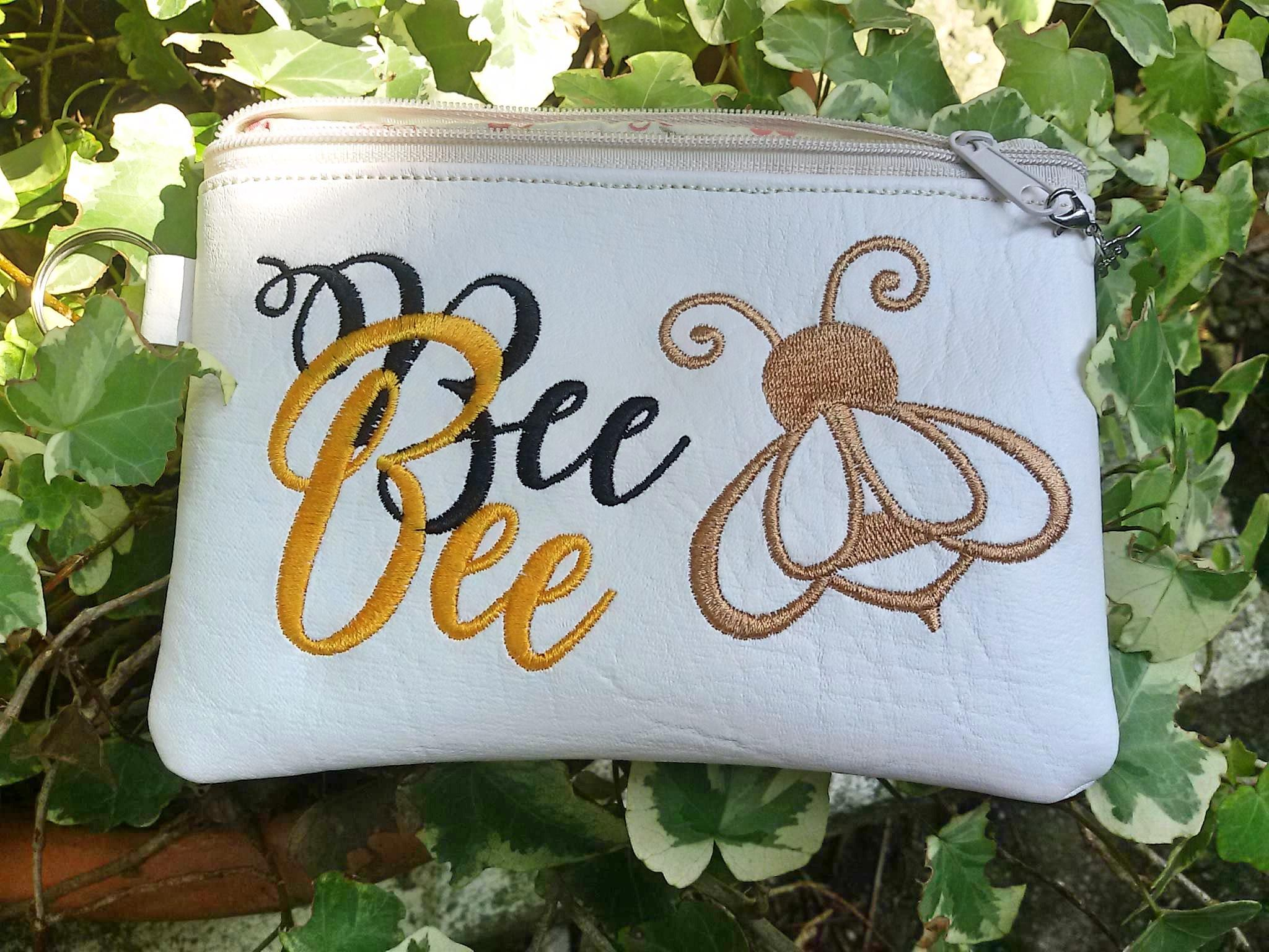 Embroidered handbag with Bee bee design