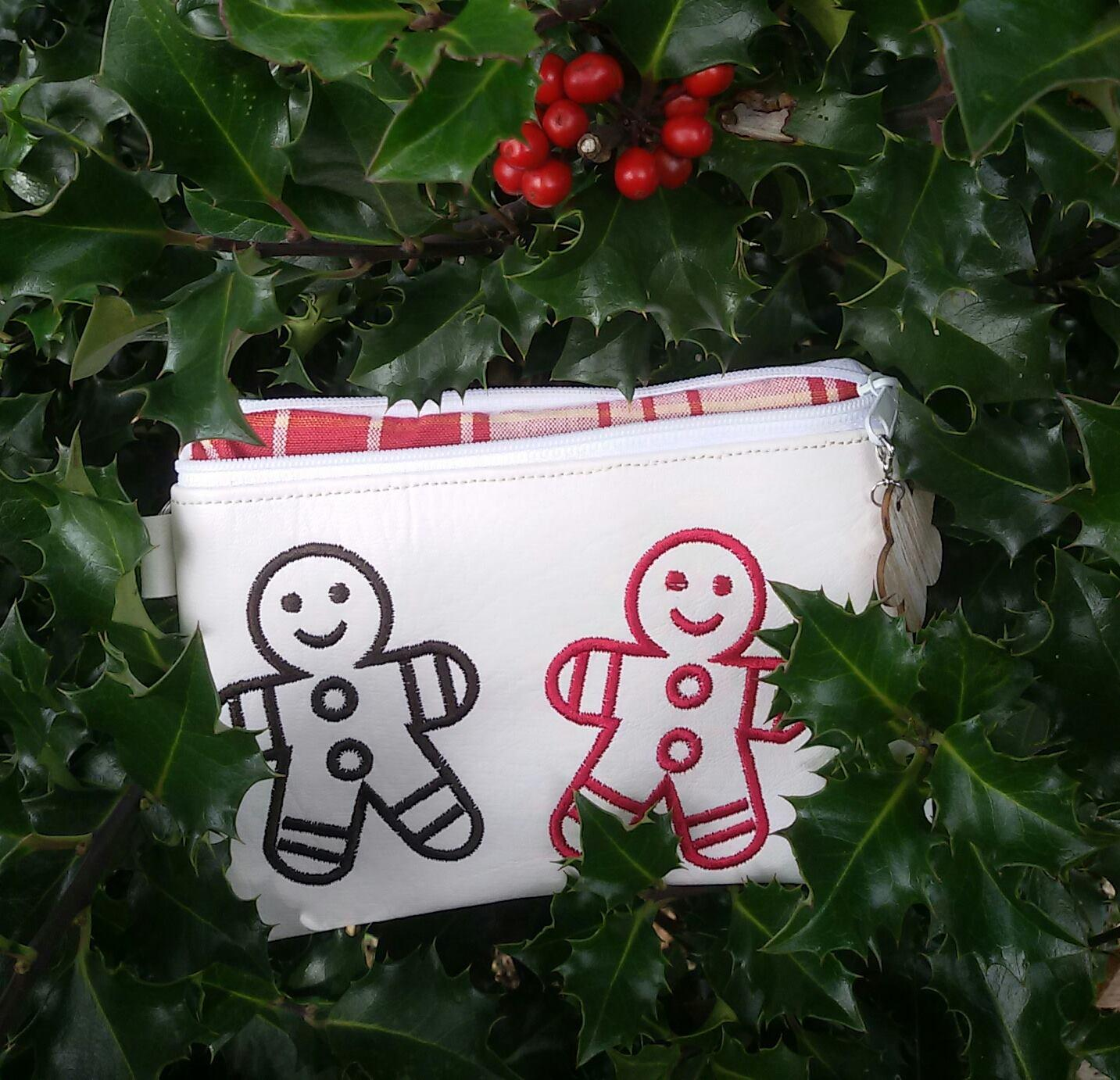 Embroidered bag with Gingerbread design