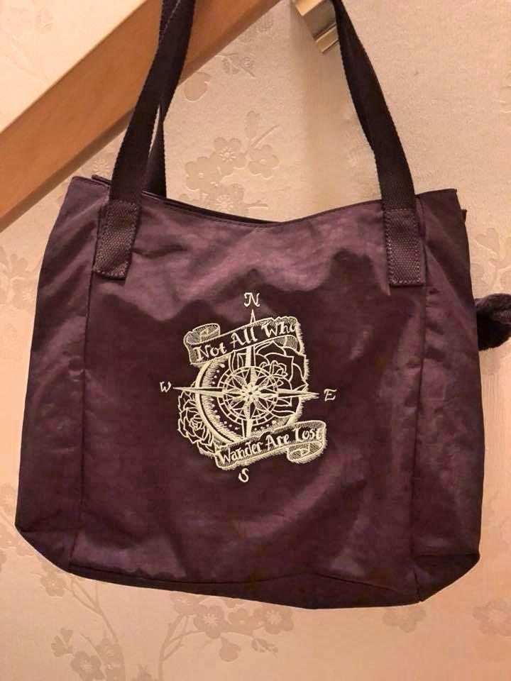 Embroidered bag with Wind rose design