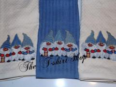 Embroidered towels with Dwarves design