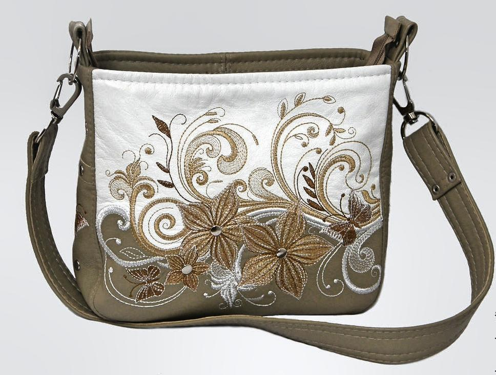 Embroidered bag with Magic bouquet design