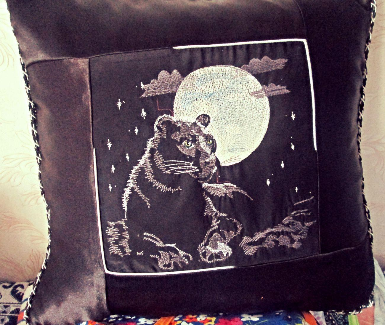Embroidered pillow with panther free design