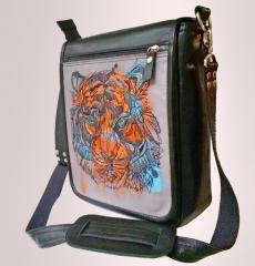 Embroidered bag with Bloody tiger's muzzle design