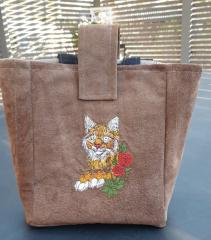 Embroidered bag with Lynx design