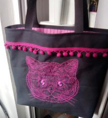 Embroidered bag with Mosaic cat design