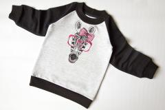 Sweater with Zebra free embroidery