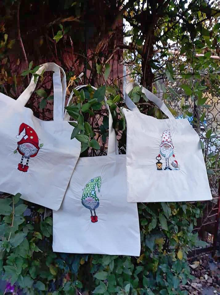 Embroidered bags with Christmas gnomes design