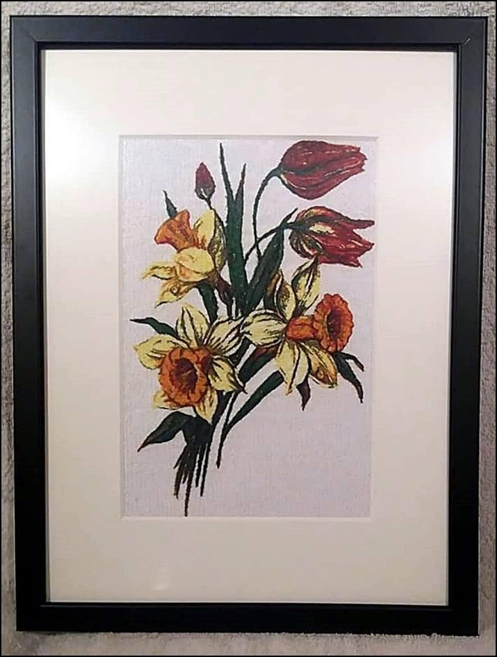 Embroidered picture with Bouquet design
