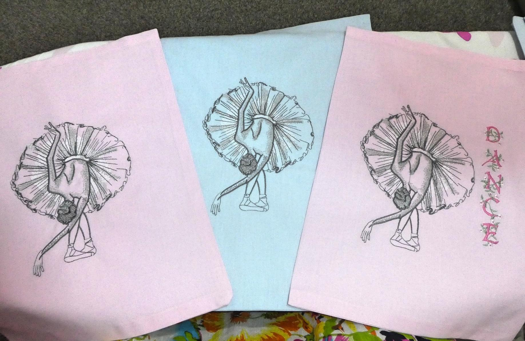 Set of embroidered handkerchief with Ballerina design
