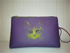 Embroidered cosmetics bag with Cat's muzzle free design
