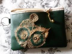 Embroidere handbag with Surprised owl design