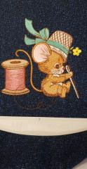 Mouse with needle embroidery design