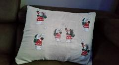 Christmas cushion with snowboy and snowgirl free embroidery design