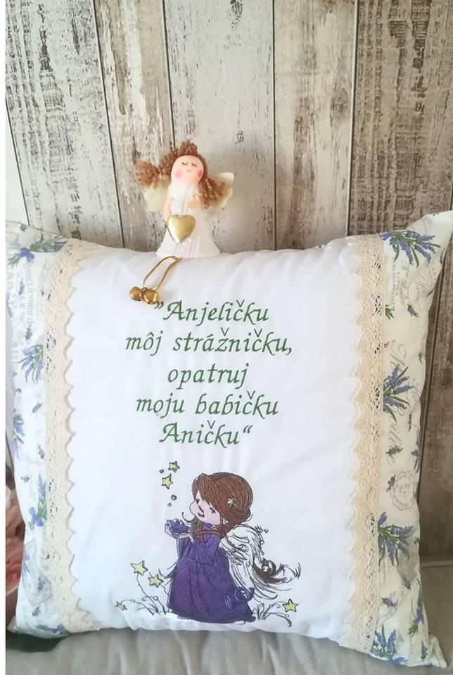 Embroidered cushion with Star angel design