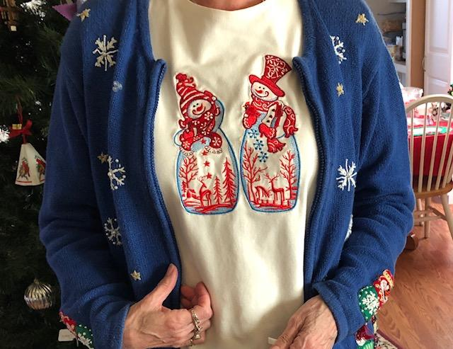 Embroidered T-shirt with two snowmen