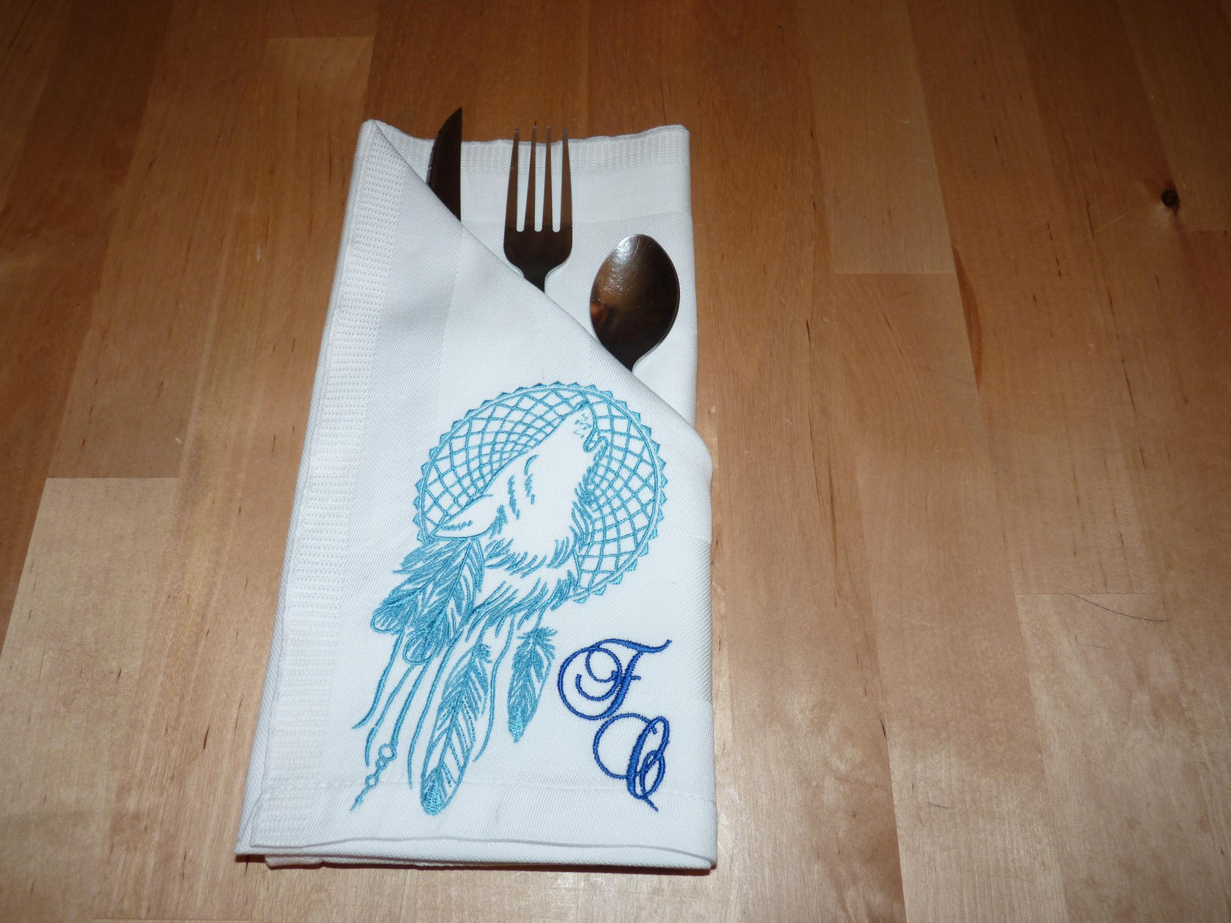 Emroidered napkin with Wolf dreamcatcher design