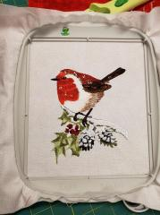 In hoop Robin on holly branch embroidery design