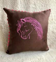 Embroidered cushion with Unicorn free design