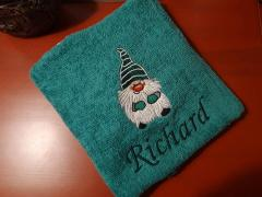 Embroidered towel with Dwarf design