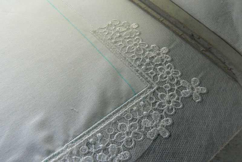 Embroidered lace napkin
