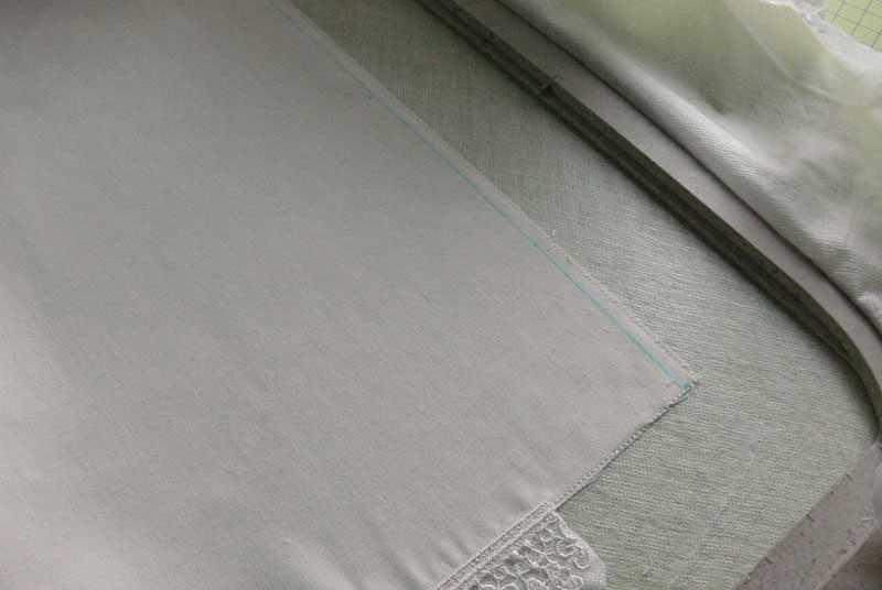 Lace sewed in second side napkin
