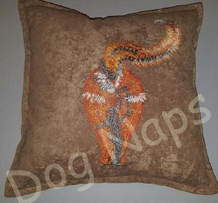 Pillow with cat's back free embroidery design