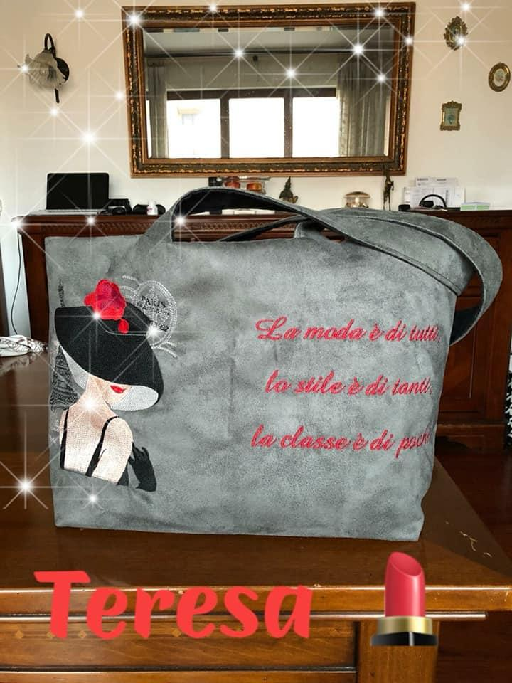 Embroidered bag with Woman in hat design