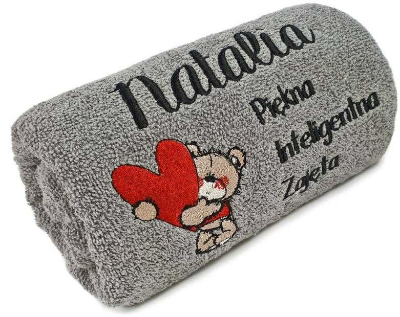 Embroidered towel with Bear and heart design