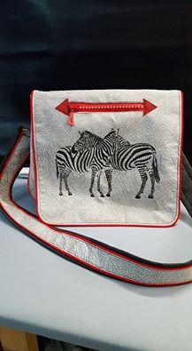 Bag with two zebras free embroidery