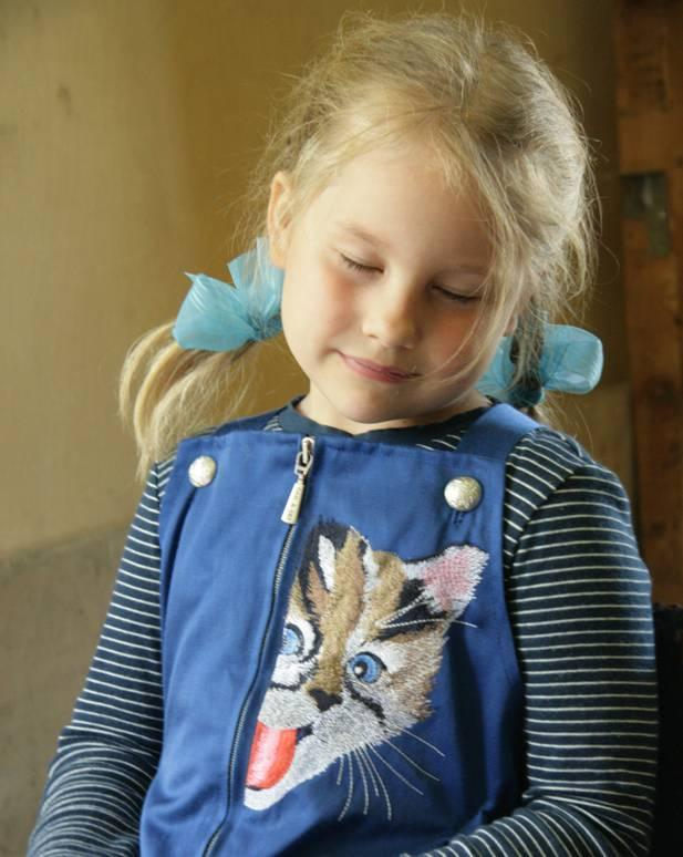 Embroidered girl's jacket with kitty free design