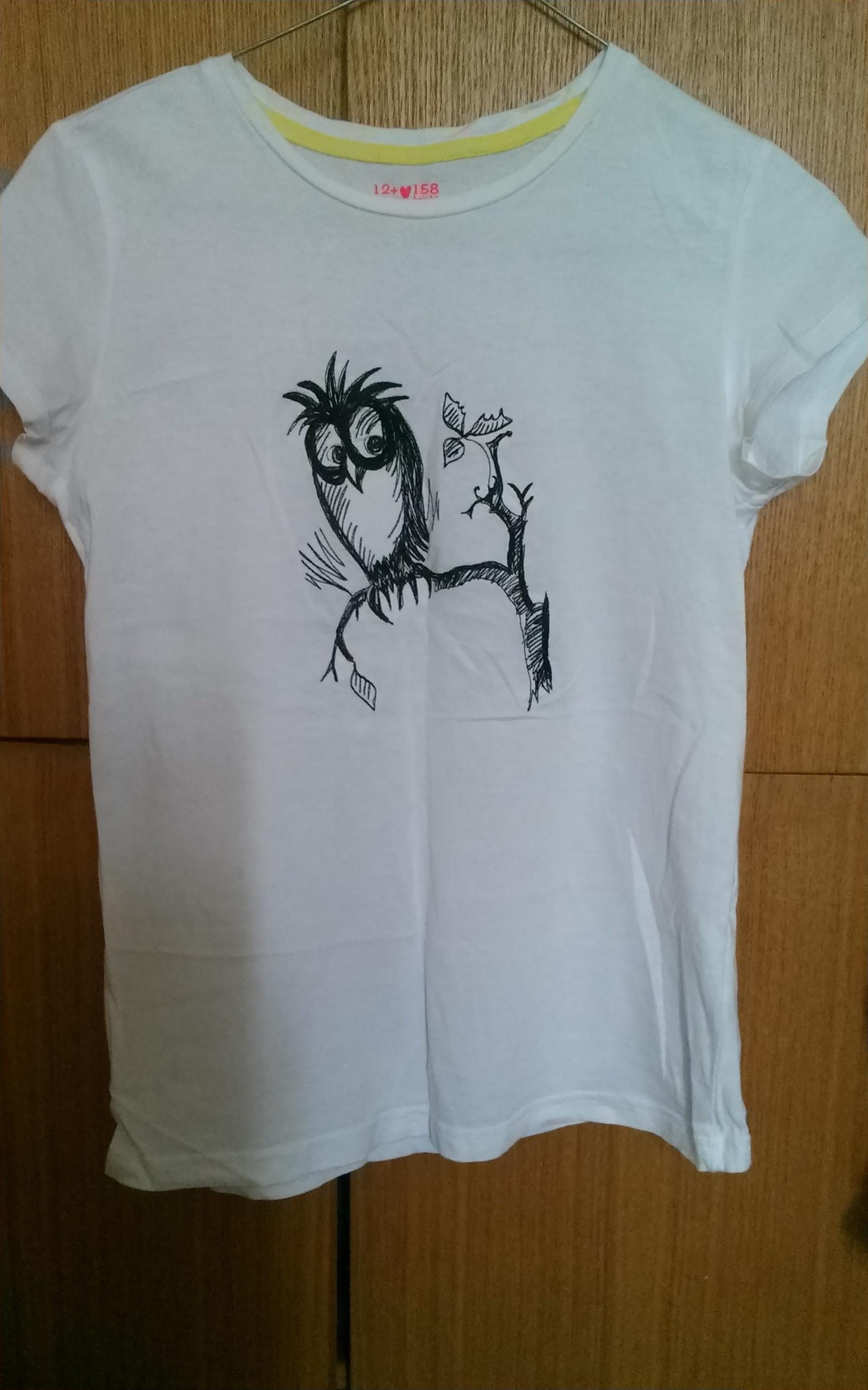T-shirt with owl sketch free embroidery design