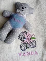 Embroidered towel with Teddy Bear lily design