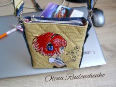 Embroidered bag with Music and little girl design