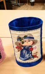 Embroidered softbasket with Girl and snowflake design