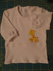Baby outfit with giraffe applique free design