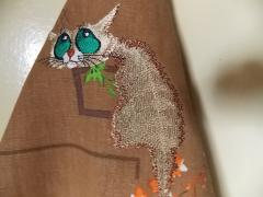 Cat embroidered nostalgic design