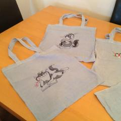 Cotton bag with cats free embroidery designs