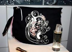 Fashion woman's bag with Spring always in heart free embroidery