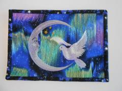 Quilt with Crescent Dove Art free embroidery design
