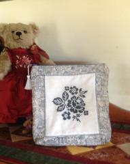 Pillow with Flower cross stitch free embroidery design