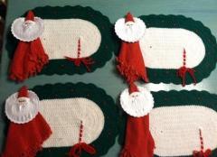 Embroidered napkin holder with Santa's portrait design