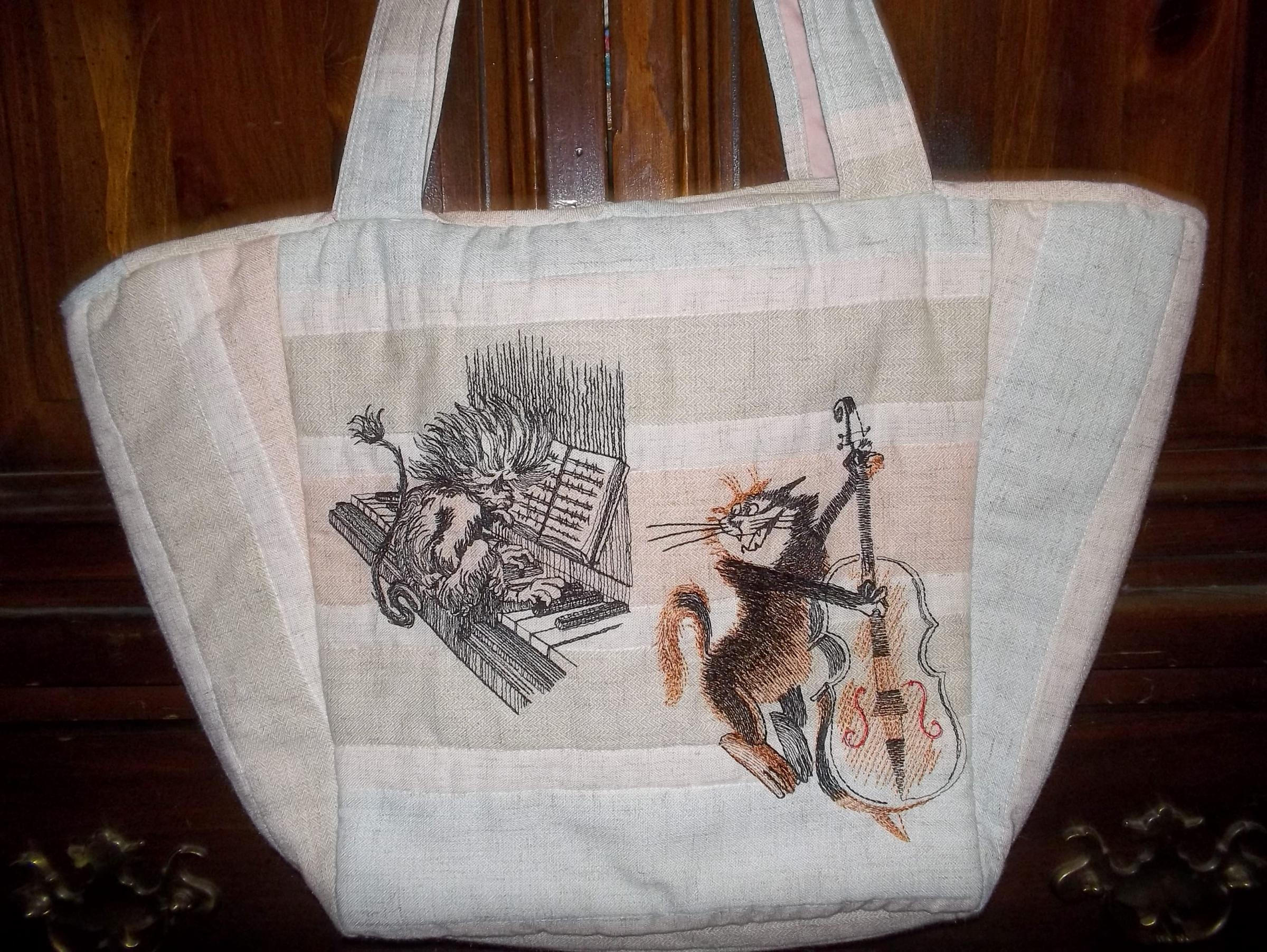 Big beach bag with free embroidery designs