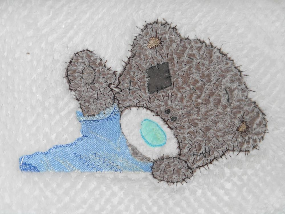 Embroidered applique teddy bear free design
