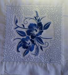 Quilt block with flower free machine embroidery design