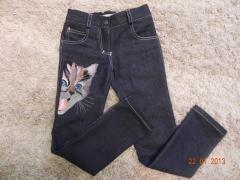 Jeans with cat free embroidery design