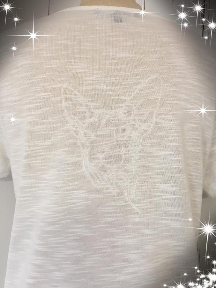 T-shirt with Sphynx cat embroidery design