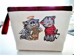 Embroidered bag with Angel cat design