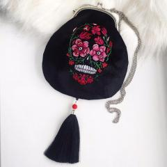 Embroidered bag with Skull and flowers design