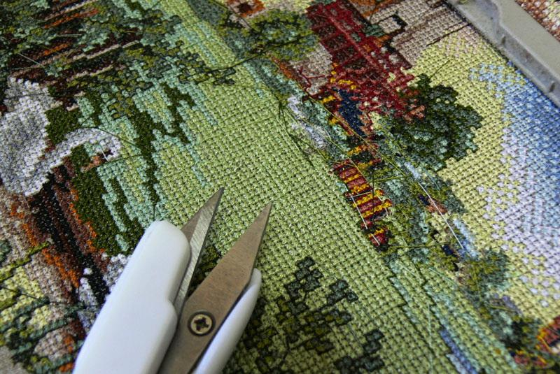 Cross stitch jump stitches and trimmer