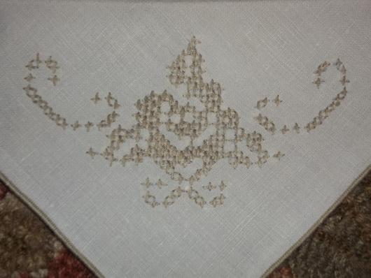 linen-napkin-decorated-with-crossstitch.jpg